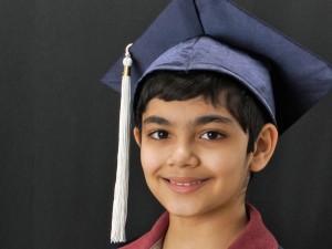 Il piccolo genio a 10 anni si diploma con il massimo dei voti